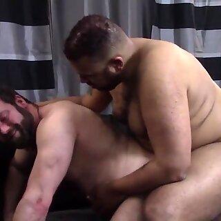 Robert Bareback Fucks Topher