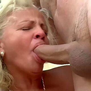 73 år ældre bedstemødre allerførste dobbelt penetration