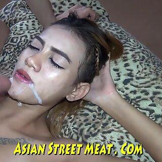 Prostituierte asiatische wenchith wackelige Titten