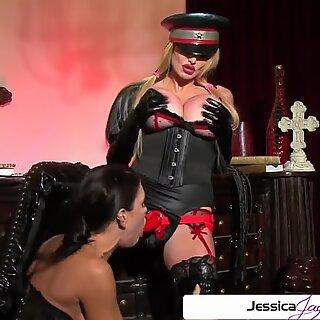 Watch Taylor Wane fuck Jessica Jaymes like a little bitch, big boobs