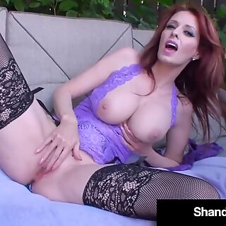 Wild Wife Shanda Fay Gets her Pussy Pounded in her Yard!