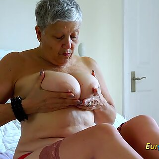 EuropeMaturE Huge Breasts Solo Action Footage
