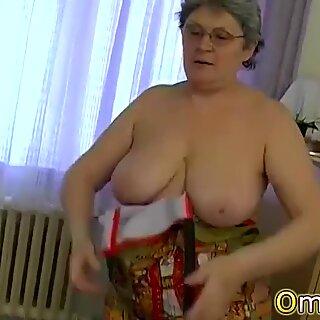 OmaPasS Came With Hot Lesbian Mature Masturbation