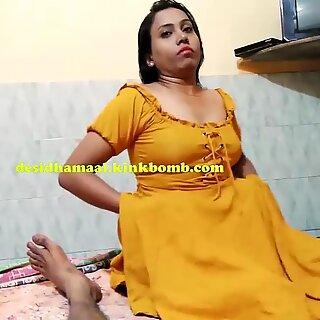 ديسي هندية مراقدة نجمة سكس يعطي مص زب في ملاقاة