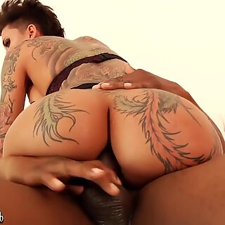 rump stunner Bella Bellz takes BBC in the bum