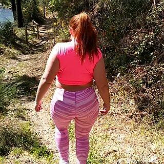 Me folle a chica de butt grande en plena naturaleza